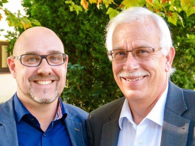 Thorsten Prinz (links) arbeitet seit 2012 mit dem im Februar scheidenden Schulleiter Dieter Sommer zusammen. (Foto: SMMP)